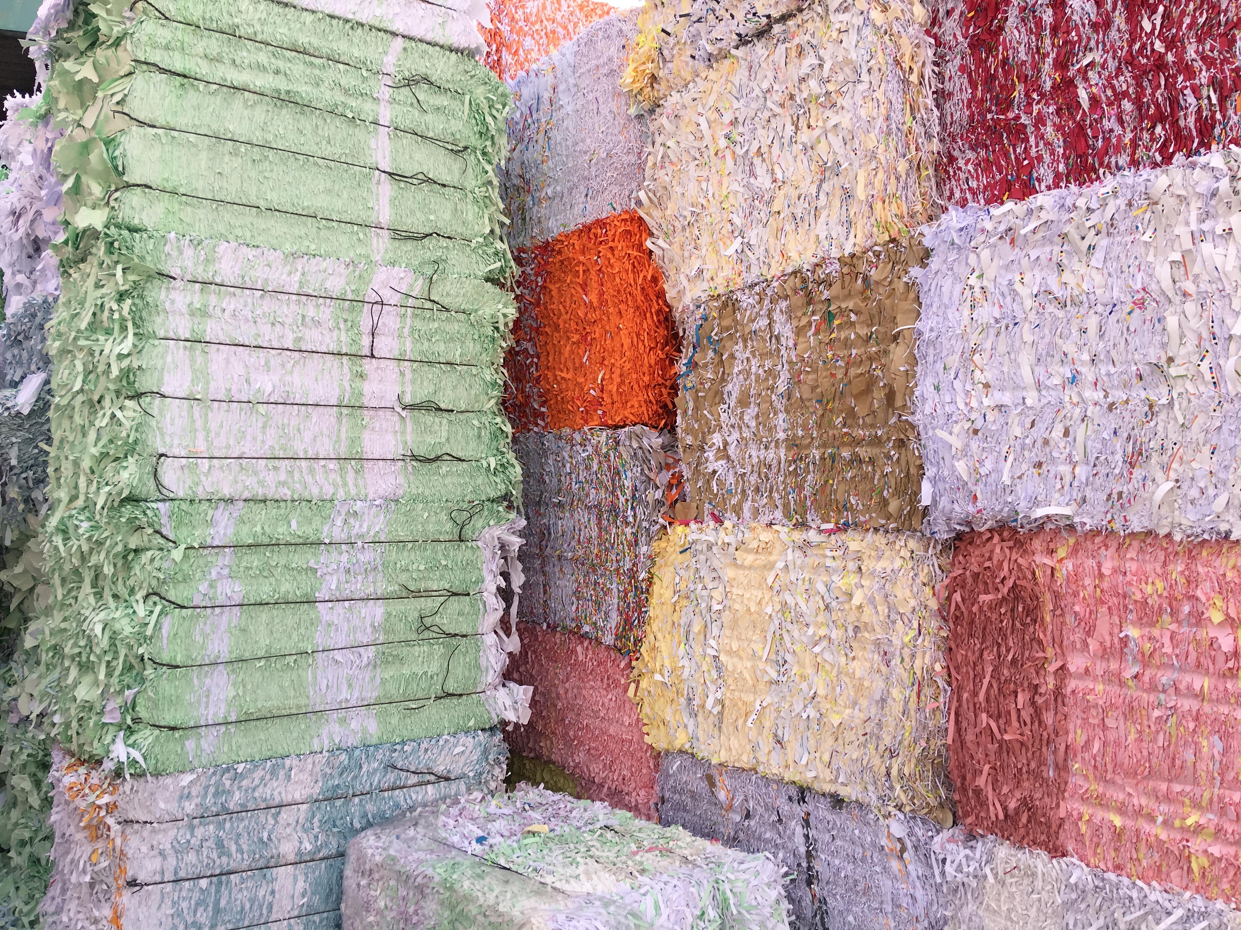 balles prêtes pour la fabrication de papier recyclé